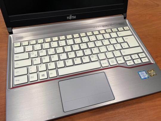 "Fujitsu LifeBook E736 használt laptop, Intel Core i5-6300U, HD 520, 4GB DDR4 RAM, 500GB HDD, 13,3"" (33,8 cm), 1366 x 768 - 1525896 #2"