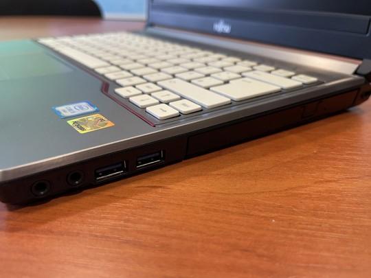 "Fujitsu LifeBook E736 használt laptop, Intel Core i5-6300U, HD 520, 4GB DDR4 RAM, 500GB HDD, 13,3"" (33,8 cm), 1366 x 768 - 1525896 #3"