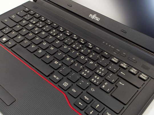 "Fujitsu LifeBook E546 használt laptop, Intel Core i5-6300U, HD 520, 8GB DDR4 RAM, 240GB SSD, 14"" (35,5 cm), 1920 x 1080 (Full HD) - 1526891 #5"